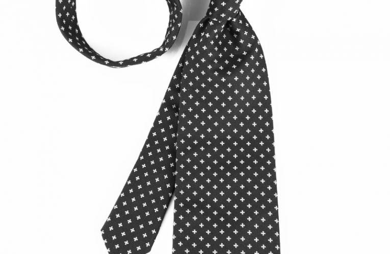 Jak zawiązać krawat?