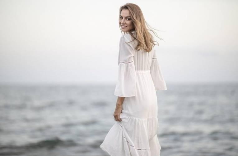 Modne sukienki na sezon lato – jesień 2021
